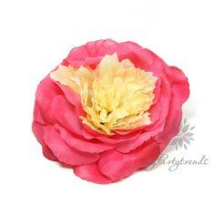 elegante Haar-/Ansteckrose in pink-creme, Ø 12 cm von Boutique für wundervolle Accessoires zum Liebhaben! auf DaWanda.com