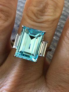 Aquamarine Jewelry, Aquamarine Blue, White Sapphire, Birthstone Jewelry, Aquamarin Ring, Green Topaz, Engagement Ring Prices, Pretty Rings, Beautiful Gift Boxes