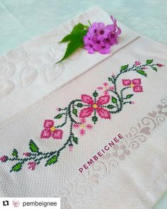 Embroidery on a handtowel༺✿༻ This post was discovered by Mu Barbara R. Small Cross Stitch, Cross Stitch Borders, Cross Stitch Rose, Cross Stitch Flowers, Cross Stitch Designs, Cross Stitching, Cross Stitch Embroidery, Cross Stitch Patterns, Hand Embroidery Videos