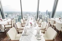 If you're going to Light+Building, these are the restaurants in Frankfurt you must know about! Rhein Main Gebiet, Bauhaus Style, Restaurant Lounge, Light Building, Luxury Life, Luxury Travel, Fine Dining, Design Inspiration, Table Decorations