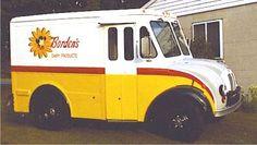 I loved the milk delivery Retro Advertising, Vintage Advertisements, Elsie The Cow, Nostalgia, Commercial Van, Columbus Ohio, Dayton Ohio, Cleveland, Strange History