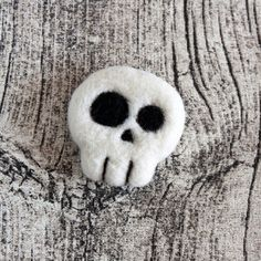 Skull brooch. New Halloween jewelry