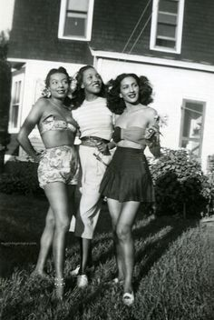 Gorgeous friends, circa 1940.