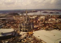 Photos from the construction site during the building of the Magic Kingdom in Walt Disney World. Some of these photos were taken by various crew members. Disney World Resorts, Walt Disney World, Disney World Parks, Retro Disney, Old Disney, Disney Fun, Disney Stuff, Disney Magic Kingdom, Walt Disney Imagineering