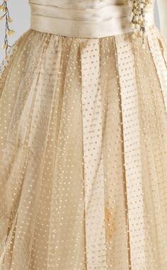 wedding dress detail 1910