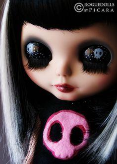 Skull Doll ...  I need her. #Halloween everyday