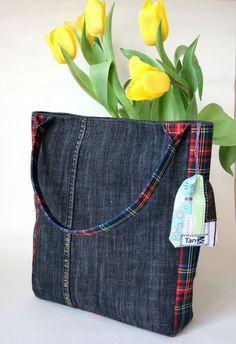 Sewing Clothes Diy Upcycling Fabrics 16 New Ideas Denim Tote Bags, Denim Handbags, Denim Purse, Denim Bag Patterns, Bag Patterns To Sew, Jean Purses, Purses And Bags, Bag Quilt, Denim Crafts