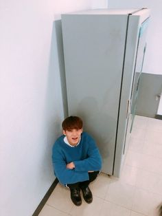 Mingyu what the hell are you doing down there? Mingyu Seventeen, Seventeen Debut, Mingyu Wonwoo, Seungkwan, Hoshi, Vernon Chwe, Kim Min Gyu, Choi Hansol, Pledis 17