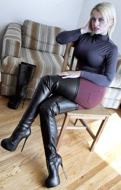 Thigh High boots, Femdom, FLR and TPE pictures found on Tumblr. Check the Favoriten (=Likes)...