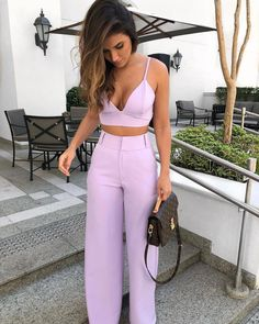 {Classy And Elegant Summer Outfits Classy Shorts Outfits, Preppy Outfits, Mode Outfits, Short Outfits, Chic Outfits, Spring Outfits, Night Outfits, Fiesta Outfit, Elegantes Outfit