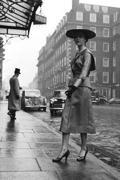 TRULY VINTAGE STREET STYLE London   - HarpersBAZAAR.com