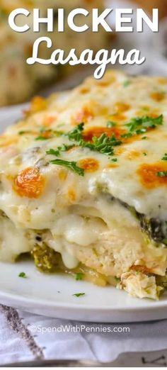 This creamy chicken lasagna is one of my favorite comfort foods ever. A classic … This creamy chicken lasagna is one of my favorite comfort foods ever. A classic lasagna recipe is reimagined with my favorite cheesy alfredo sauce, veggies, and chicken. Classic Lasagna Recipe, Lasagna Recipe With Ricotta, Easy Lasagna Recipe, Homemade Lasagna, Homemade Alfredo, Pollo Alfredo, Alfredo Sauce, Healthy Recipes, Cooking Recipes