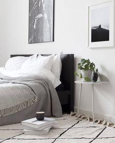 via @aesencecom / minimal bedroom