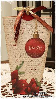 papirdesign-blogg: Linn Christmas Ornaments, Holiday Decor, Home Decor, Decoration Home, Room Decor, Christmas Jewelry, Christmas Decorations, Home Interior Design, Christmas Decor