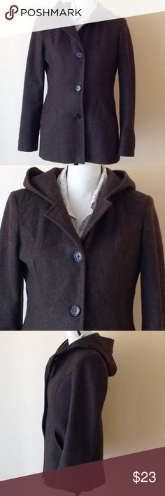 🔶 ANNE KLEIN COAT & CASHMERE SCARF Classic streamline, lightweight but warm wool coat. Good used condition, really smart with clean lines, a very stylish hood. Cashmere infinity scarf included with purchase. 💥 B. Makowski boots would look great with the coat.🙃 Anne Klein Jackets & Coats Pea Coats