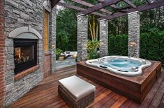hot tub deck Browse images of amazing hot tub designs and get some excellent tips and ideas to create your own relaxing backyard spa oasis. Jacuzzi Outdoor, Outdoor Spa, Outdoor Living, Outdoor Hot Tubs, Hot Tub Backyard, Hot Tub Garden, Hot Tub Pergola, Backyard Pools, Pergola Roof