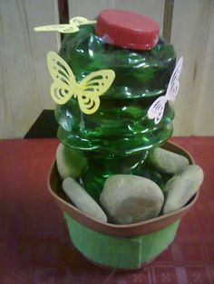 cactus con material reciclado
