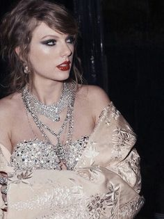 Taylor Swift, Queen, and Reputation image