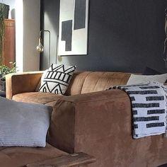 #bohostyle #wabi-sabi #stoerwonen Wabi Sabi, Boho Fashion, Sofa, Living Room, Interior Design, Instagram, Image, Pictures, Interior Designing