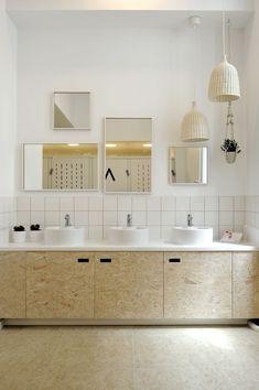 37 inspirations for daring OSB - Page 5 of 6 Shared Bathroom, Modern Bathroom, Small Bathroom, Master Bathroom, Bathroom Interior Design, Decor Interior Design, Interior Decorating, Modern Interior, Bad Inspiration