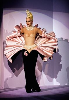 Mugler Fall 1995 Couture Collection - Vogue