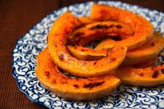 Roasted squash is amazing for a fall wedding! Curry One, Best Curry, Halloumi Burger, New York Times Cooking, Butternut Squash Curry, One Pot Dishes, Indian Food Recipes, Ethnic Recipes, Roasted Butternut Squash