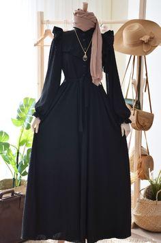 Modest Fashion Hijab, Abaya Fashion, Fashion Dresses, Simple Long Dress, Kaftan Designs, Moslem Fashion, Iranian Women Fashion, Hijab Fashionista, Muslim Dress
