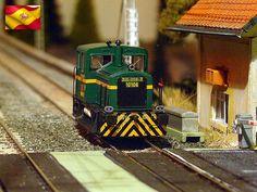 Ferrocarriles españoles. Tractor 301. Escala H0.