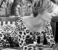 Love me some House of Cards...and her hair cut!!! She's come a long way from Jennie, huh Forest?