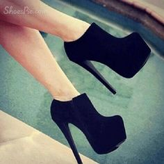 Friend Mode: black booties!!!