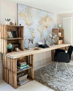 Home Office lindíssimo feito com caixotes de feira.  www.eutambemdecoro.com.br #decoracao #decor #decorando #lindeza #charmosodemais #apaixonante #ideias #inspiraçao #decorar #bonito #criativo #criatividade #decoracion #decorart #decoration #decoro...