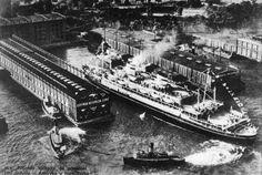 """""""MS Piłsudski"""" wchodzi do przystani GAL w Nowym Jorku."""