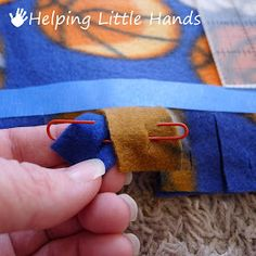 Sew weighted blanket pieces by polly double layered no sew quot; fleece blanket tutorial pieces by polly double layered no sew braided fleece blanket tutorial 2019 pi 2019 Weighted Blanket Diy, No Sew Fleece Blanket, No Sew Blankets, Fleece Hats, Sewing Tutorials, Sewing Projects, Sewing Patterns, Sewing Ideas, Dress Tutorials