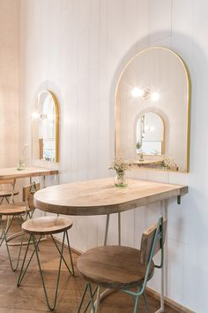 arched gold framed mirrors and cafe tables inside el pintón. Coffee Shop Design, Cafe Design, Layout Design, Design Ideas, Store Design, Table Bar, Cafe Tables, Bar Table Design, Restaurant Interior Design