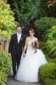 Gown by Lazaro for Kleinfelds/The Hudsons Bay Company - suit by Outlooks for Men - hair and makeup by ma-luxe - florals by Chocolate Lily Floral Design - at The Butchart Gardens on Vancouver Island - photo by Kim Kalyn Photography