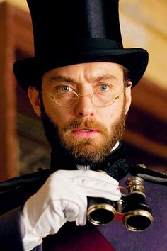 Keira Knightley cheats on Jude Law in this movie. How does that happen? He even looks hot with a beard and specs.