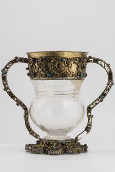 Cristal de roca, Plata, Piedras preciosas, Perlas, 18 cm. Edad medieval Vaso compuesto por una lámpara bizantina con montaje veneciano.