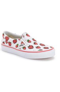 Vans  Classic - Strawberries  Slip-On Sneaker (Baby c8adaabbb