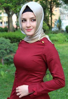 That girl is wonderful Arab Girls Hijab, Girl Hijab, Muslim Girls, Hijab Niqab, Hijab Chic, Beautiful Muslim Women, Beautiful Hijab, Modern Hijab, Attractive Girls