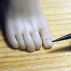 How to Sculpt Polymer Clay Feet pg3