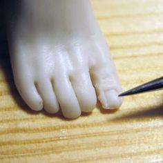 How to Sculpt Feet