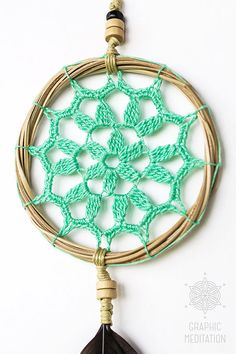 This small doily dream catcher wall decor will make a great decorative touch to any space, such as interior of a living room, kids room or even your car. Crochet Kitchen, Crochet Home, Crochet For Kids, Diy Crochet, Sun Catchers, Doily Dream Catchers, Crochet Dreamcatcher, Hanging Pictures, Wooden Beads