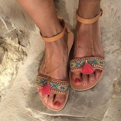 OOAK greek leather sandals with friendshipbracelet in beautiful pastel colors and tassel