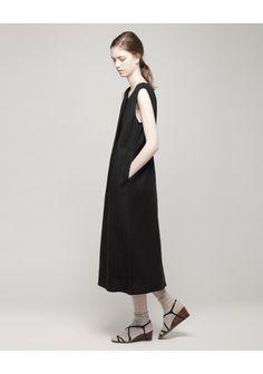 La Garçonne Moderne / Sleeveless Henley Dress