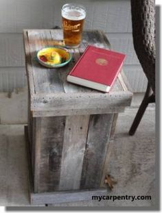 Wood Waste Basket - This woodworking project is excellent for your patio, deck or outdoor kitchen. It is made of old weathered cedar fence boards, but you can use new material if you prefer. Wooden Pallet Projects, Small Wood Projects, Diy Pallet Furniture, Diy Furniture Projects, Wooden Pallets, Woodworking Projects, Pallet Ideas, Pallet Stool, Diy Projects