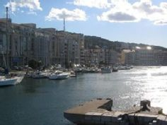 Sete : appartement 60m2 sur canal et port de plaisanceLocation de vacances à partir de Sète @homeaway! #vacation #rental #travel #homeaway