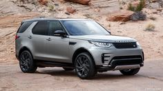 2018 Land Rover Discovery HSE Si6 (Color: Silicon Silver; US-Spec)