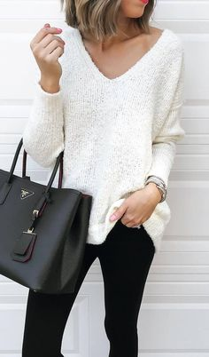white and black trends / sweater + bag + skinnies