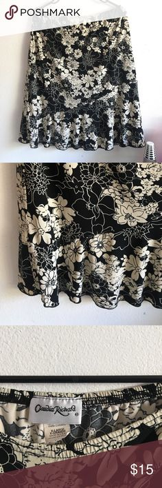 Black & White Ruffled Hem Floral Print Skirt Great condition! Size XL with an elasticize waist band. Skirts