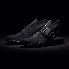 いいね!1,585件、コメント5件 ― UNDEFEATED | UNDFTDさん(@undefeatedinc)のInstagramアカウント: 「The NikeLab ACG.07.KMTR will be available on Thursday 5/18 at All Undefeated Chapter Stores and on…」